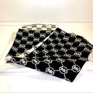 Michael Kors jet set logo print scarf
